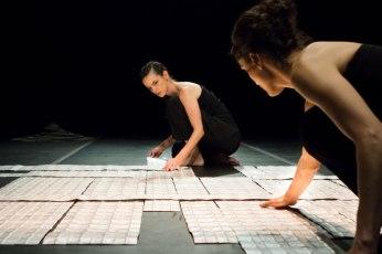 Cenografia Solo(s) de Izabel Stewart e Tana Guimarães 2012